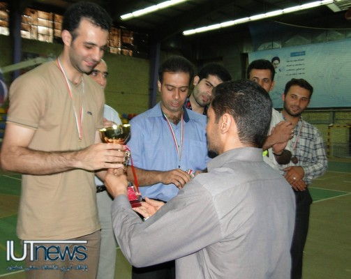 پایان مسابقات والیبال اساتید و کارکنان دانشگاه صنعتی اصفهان